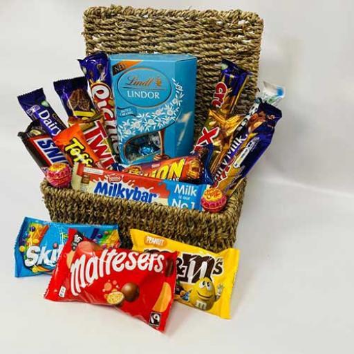 Sweets-Personalised-Hampers-12.jpg